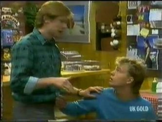 Clive Gibbons, Scott Robinson in Neighbours Episode 0300