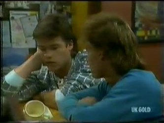 Mike Young, Scott Robinson in Neighbours Episode 0300