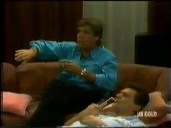 Tony Chapman, Des Clarke in Neighbours Episode 0300