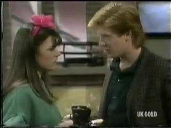 Zoe Davis, Clive Gibbons in Neighbours Episode 0301