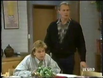 Scott Robinson, Jim Robinson in Neighbours Episode 0303