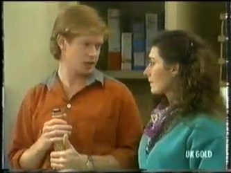 Clive Gibbons, Kate Gibbons in Neighbours Episode 0303