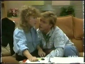 Charlene Mitchell, Scott Robinson in Neighbours Episode 0303