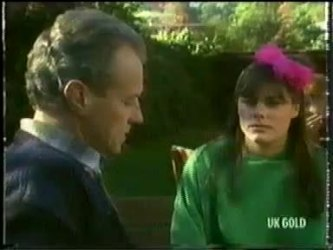 Jim Robinson, Zoe Davis in Neighbours Episode 0303