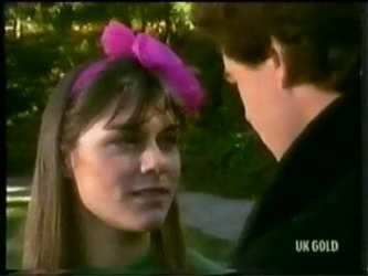 Zoe Davis, Paul Robinson in Neighbours Episode 0303
