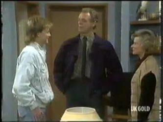 Scott Robinson, Jim Robinson, Helen Daniels in Neighbours Episode 0304