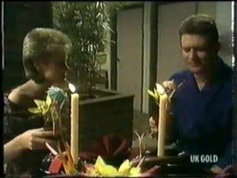 Daphne Clarke, Des Clarke in Neighbours Episode 0304