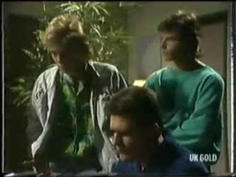 Scott Robinson, Des Clarke, Mike Young in Neighbours Episode 0304