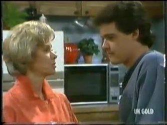 Helen Daniels, Paul Robinson in Neighbours Episode 0304