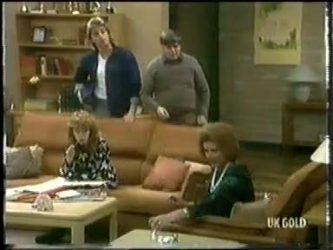 Charlene Mitchell, Shane Ramsay, Tom Ramsay, Madge Bishop in Neighbours Episode 0304