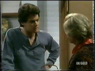 Paul Robinson, Helen Daniels in Neighbours Episode 0305
