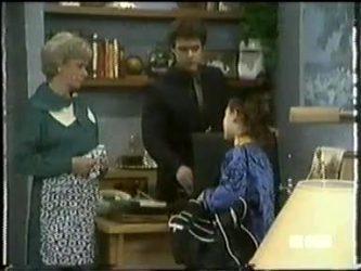 Helen Daniels, Paul Robinson, Lucy Robinson in Neighbours Episode 0305