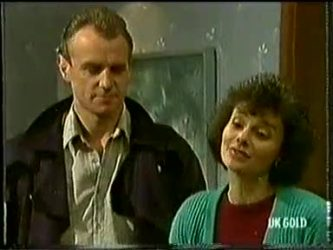 Jim Robinson, Ruth Wilson in Neighbours Episode 0332