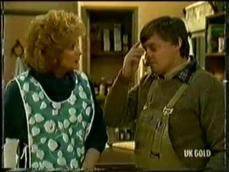 Madge Bishop, Tom Ramsay in Neighbours Episode 0332