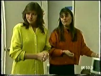 Susan Cole, Zoe Davis in Neighbours Episode 0333