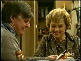 Tom Ramsay, Edna Ramsay in Neighbours Episode 0333