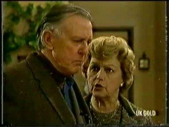 Dan Ramsay, Edna Ramsay in Neighbours Episode 0333