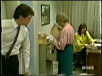 Paul Robinson, Helen Daniels, Susan Cole in Neighbours Episode 0333
