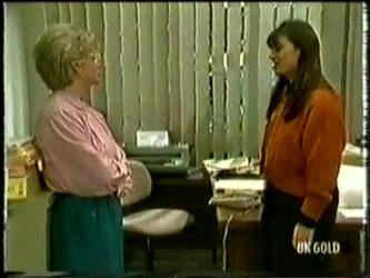 Helen Daniels, Zoe Davis in Neighbours Episode 0333