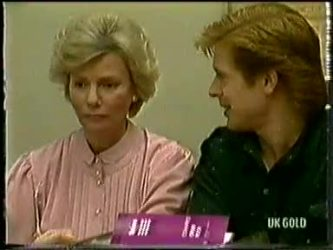 Helen Daniels, Clive Gibbons in Neighbours Episode 0333