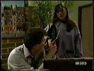 Des Clarke, Zoe Davis in Neighbours Episode 0333
