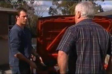 Stuart Parker, Lou Carpenter in Neighbours Episode 4403