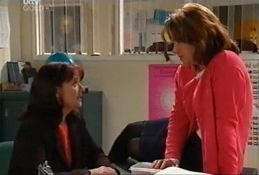 Susan Kennedy, Lyn Scully in Neighbours Episode 4420
