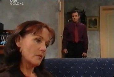 Susan Kennedy, Karl Kennedy in Neighbours Episode 4420