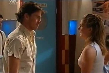 Gus Cleary, Izzy Hoyland in Neighbours Episode 4421