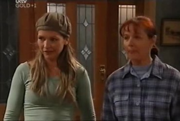 Steph Scully, Susan Kennedy in Neighbours Episode 4421