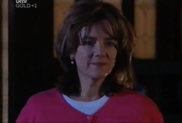 Lyn Scully in Neighbours Episode 4421