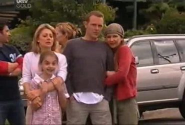Izzy Hoyland, Summer Hoyland, Max Hoyland, Steph Scully in Neighbours Episode 4422