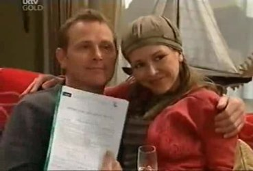 Max Hoyland, Steph Scully in Neighbours Episode 4422