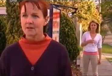 Susan Kennedy, Izzy Hoyland in Neighbours Episode 4422