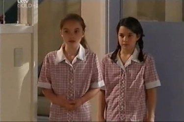 Summer Hoyland, Lisa Jeffries in Neighbours Episode 4423