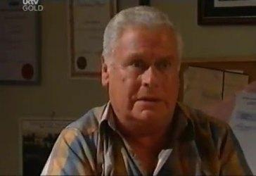 Lou Carpenter in Neighbours Episode 4434