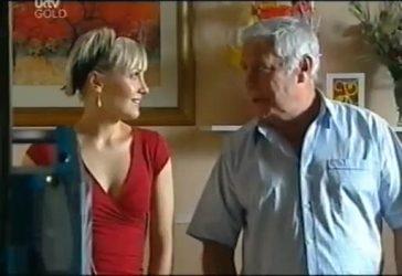 Sindi Watts, Lou Carpenter in Neighbours Episode 4486
