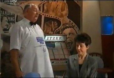 Harold Bishop, Margaret Greer in Neighbours Episode 4486