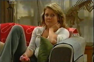 Izzy Hoyland in Neighbours Episode 4487