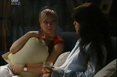 Sindi Watts, Libby Kennedy in Neighbours Episode 4487
