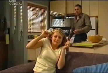 Izzy Hoyland, Karl Kennedy in Neighbours Episode 4492