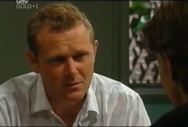 Max Hoyland, Gus Cleary in Neighbours Episode 4492