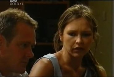 Max Hoyland, Steph Scully in Neighbours Episode 4492