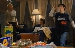 Janelle Timmins, Susan Kennedy, Stingray Timmins in Neighbours Episode 4610