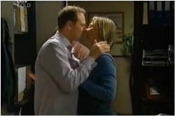 Max Hoyland, Steph Scully in Neighbours Episode 4615