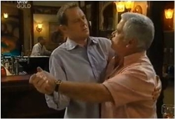 Max Hoyland, Lou Carpenter in Neighbours Episode 4615