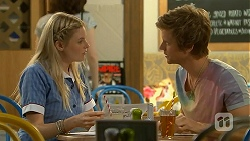 Amber Turner, Daniel Robinson in Neighbours Episode 6890