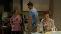 Terese Willis, Matt Turner, Susan Kennedy in Neighbours Episode 6892