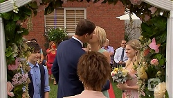 Bailey Turner, Matt Turner, Lauren Turner, Amber Turner, Susan Kennedy in Neighbours Episode 6892
