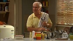 Lou Carpenter in Neighbours Episode 6894